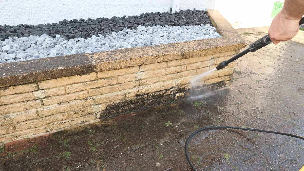 Cleaning Using a Hot Water Pressure Washer